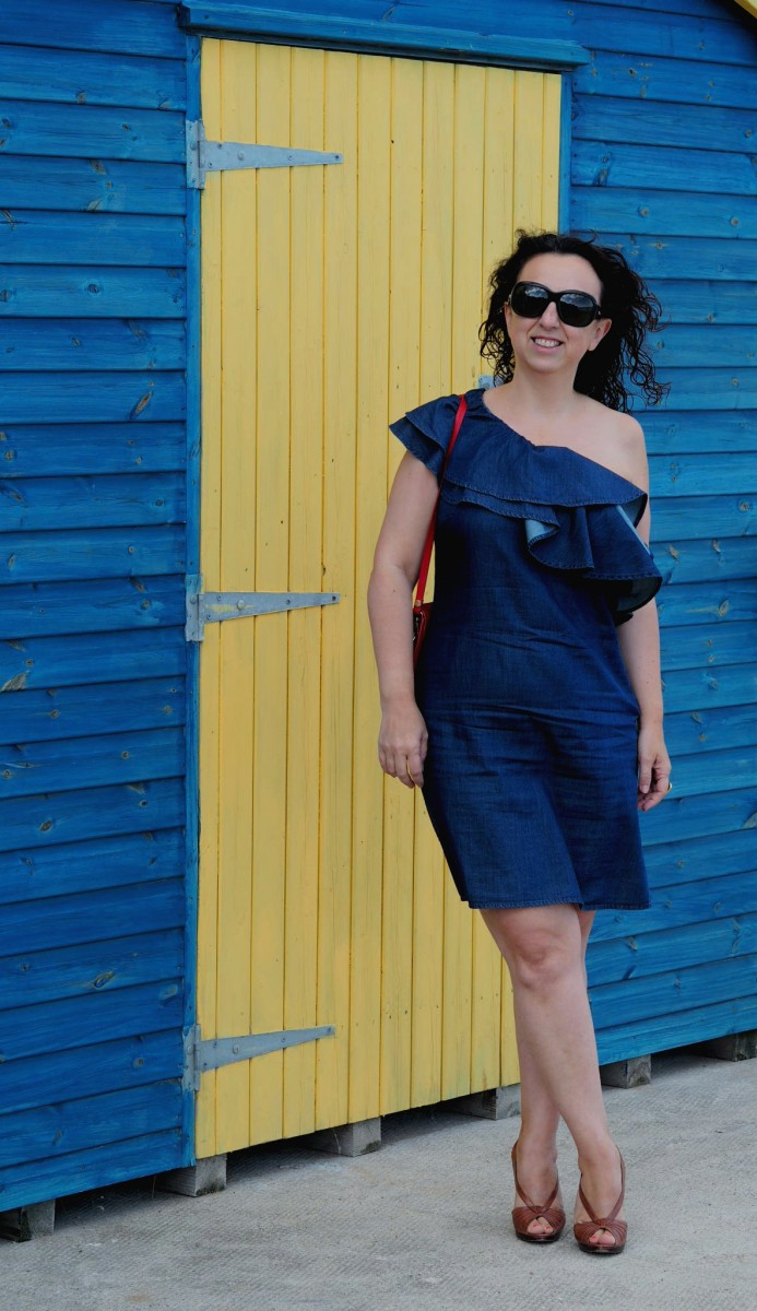 A day on the beach & how to achieve the beach to bar look
